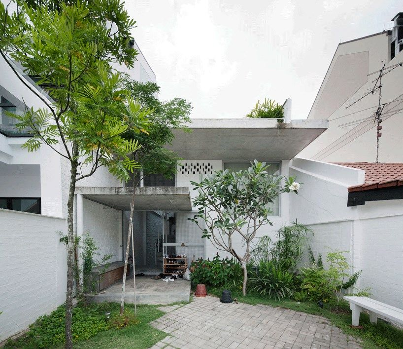 Interesting terrace house design in singapore by linghao architects