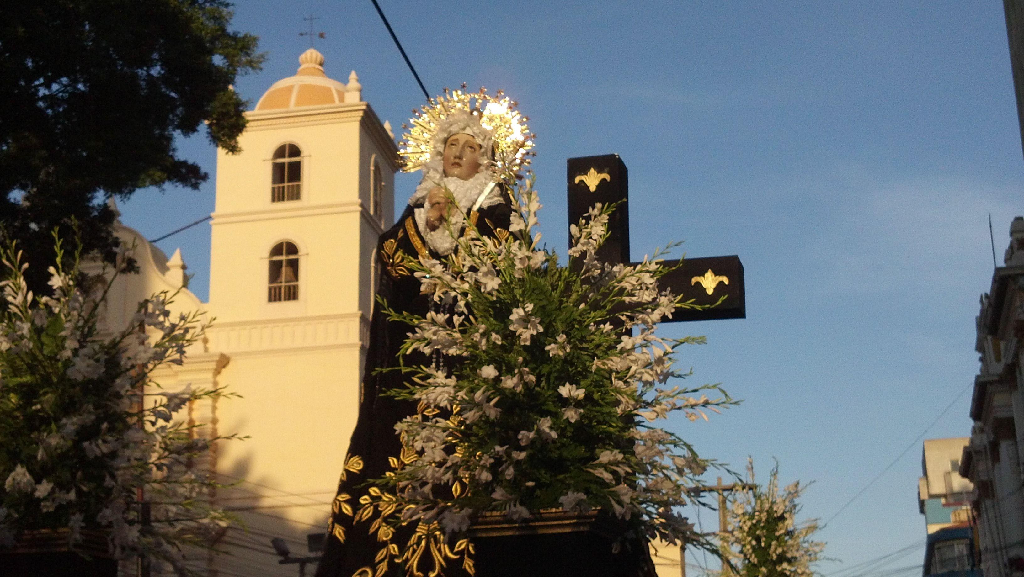 Virgen Dolorosa; procesión del Santo Entierro en Tegucigalpa