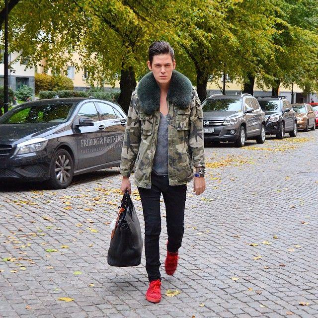 Weekend outfit #mensstyle #menswear #mensfashion #fashion #louboutin #christianlouboutin #balmain #hermes #fur #fashion #style #streetstyle #fashionblogger #blogger #stockholm #sweden