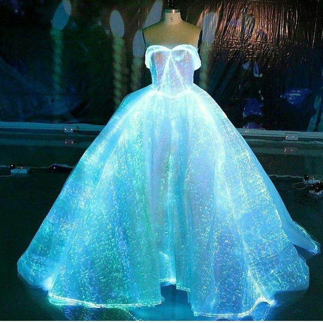 Light up wedding dress  Pin by Ana Rita on W O M E N F A S H I O N  Pinterest  Prom