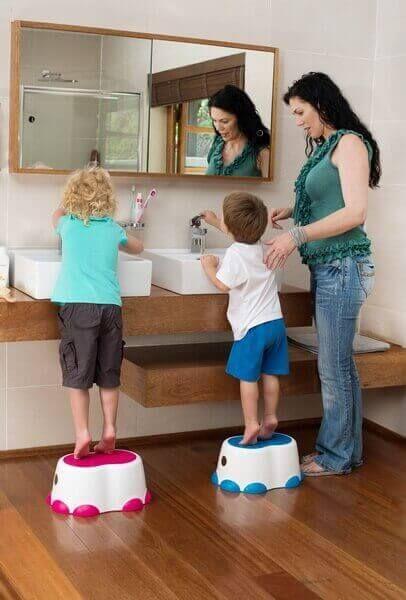 Bumbo Toddlers//Kids//Children Bathroom Step Stool