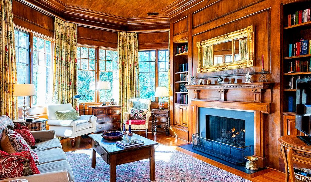 Classic Wood Paneled Living Sitting Room With Fireplace In Old Queen Anne Style Victorian House Interio Victorian Homes Luxury Homes Interior House Interior Queen anne living room ideas