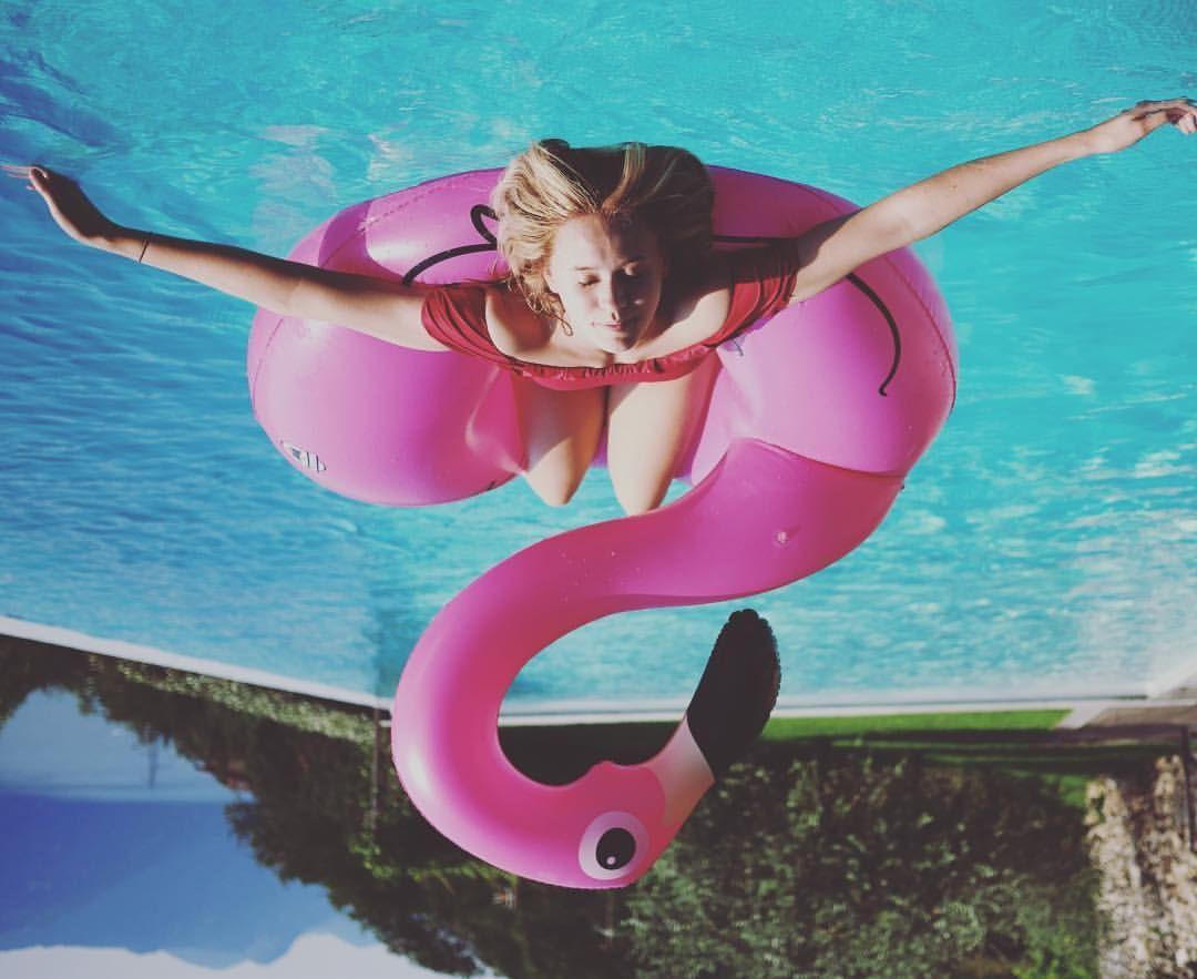 220 5k Likes 866 Comments Josefine Josefinpettersen On Instagram ɐɯissoɹd ɐl ɐ Torsteinbakke Cool Pool Floats Pool Photography Pool Photos