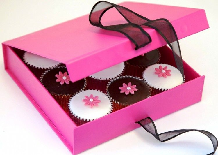 Decorated Gift Box 9 Cupcakes In A Gift Box And Each Decorated With A Sugar Flowera