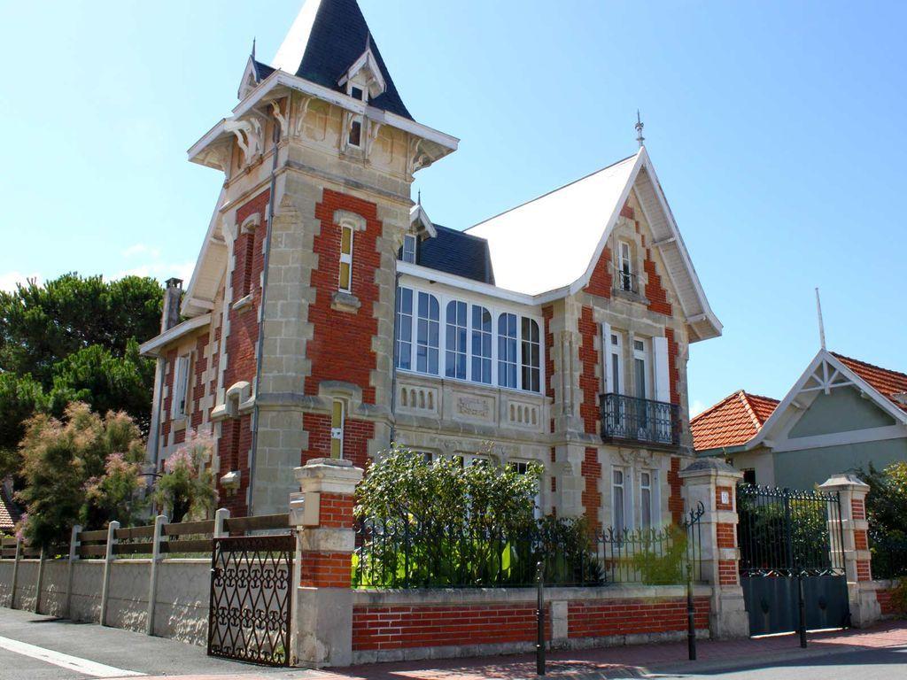 Villa soulacaise se souvenir de beaux endroits for Belle architecture villa