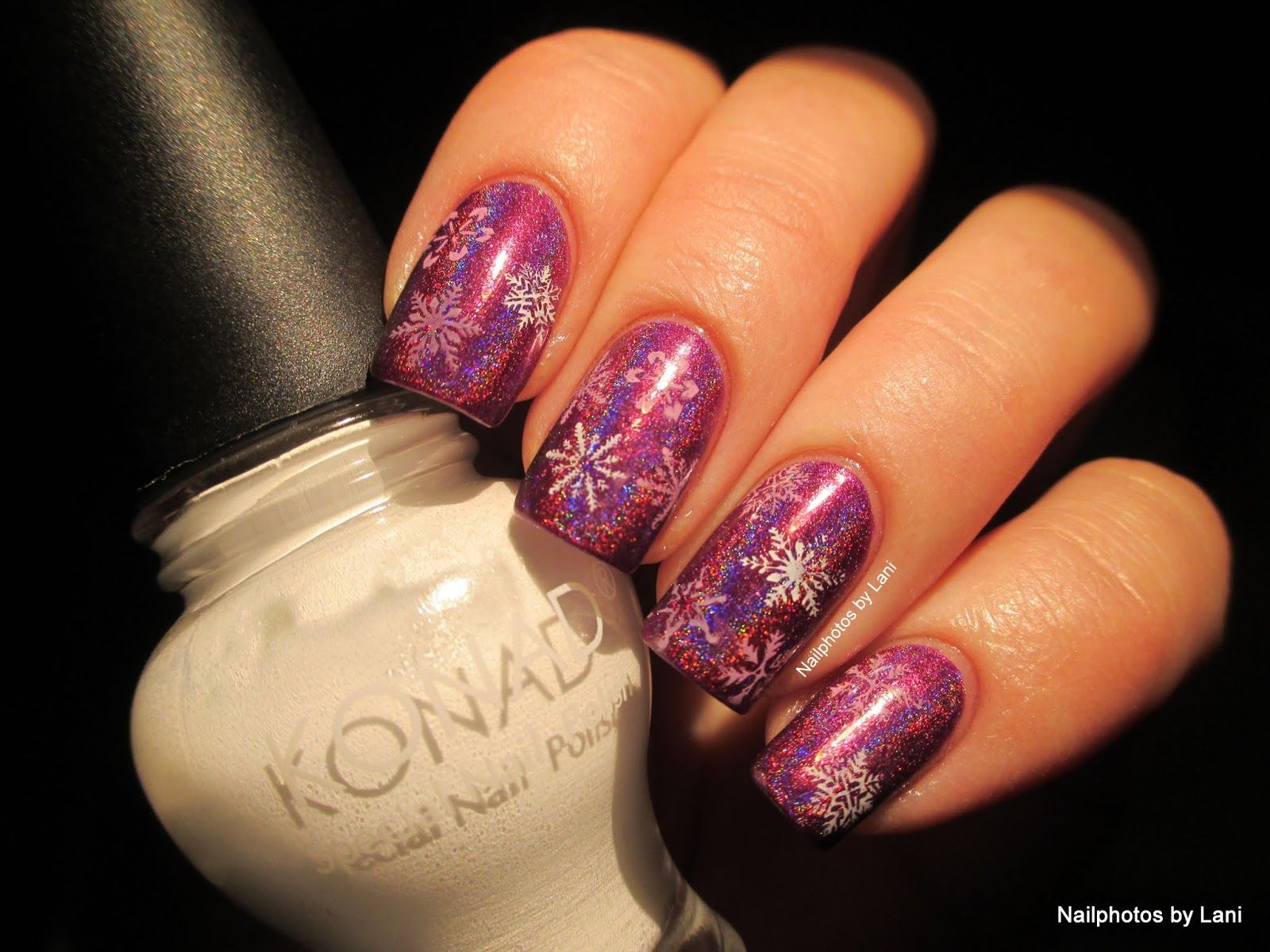Nailphotos by Lani: Stamped Newspaper Nails with Flowers