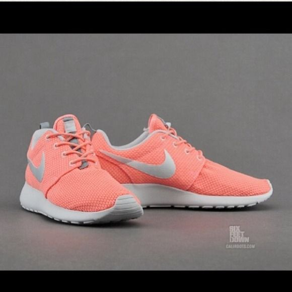 Coral shoes, Nike women