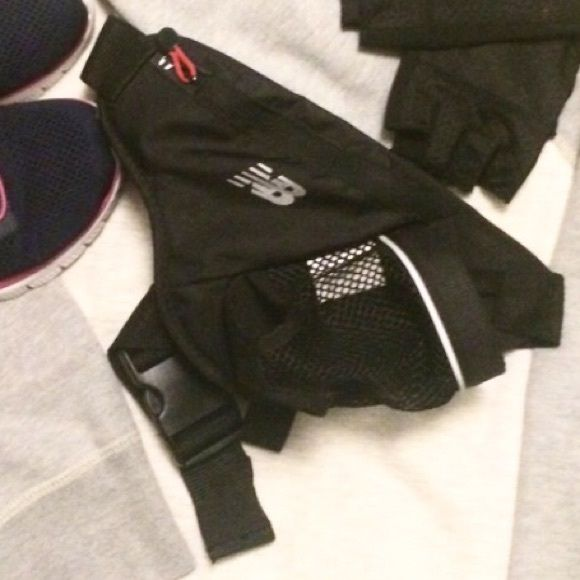 0446d9a72f Running belt. Holds ID, phone & a bottle of H2o. Black New Balance Bags