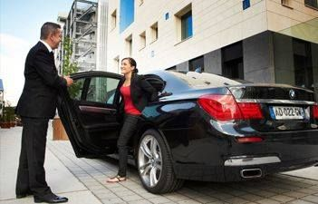 Personal Driver On Demand Www Tassleem Com Luxury Car Hire Car Hire Chauffeur Service