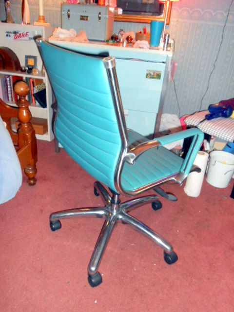 GLOBAL leather office chair was over $500 new!  I have 2 left for sale...RETRO baby