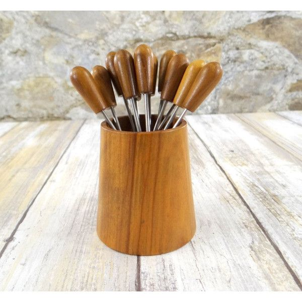 Mid Century Modern Appetizer Forks with Holder, Olive Wood, Oliv-Art... (56 ILS) ❤ liked on Polyvore featuring home, kitchen & dining, kitchen gadgets & tools and olive fork