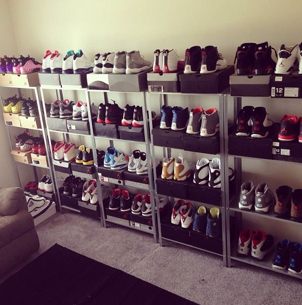 Omg all those Jordans and Nikes Chaussure Thangs Pinterest Air