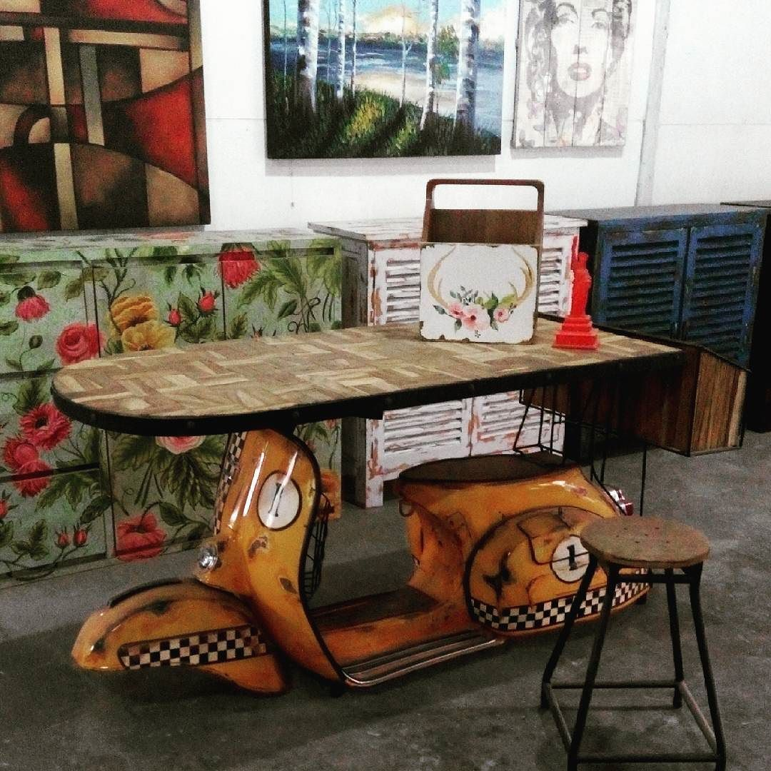 Vespa table alldecos kembangsqr by alldecostudio for Vespa decoracion