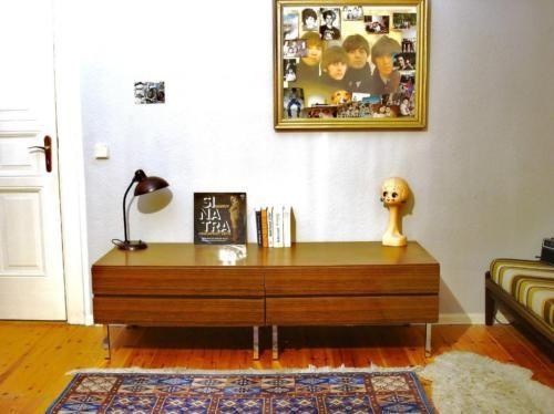 Bauhaus Schöneberg supercooles kubistisch minimalistisches vintage design sideboard