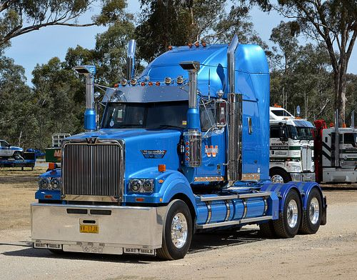 Pin By Oscar Mcbride On Trucks Western Star Trucks White Truck Big Rig Trucks