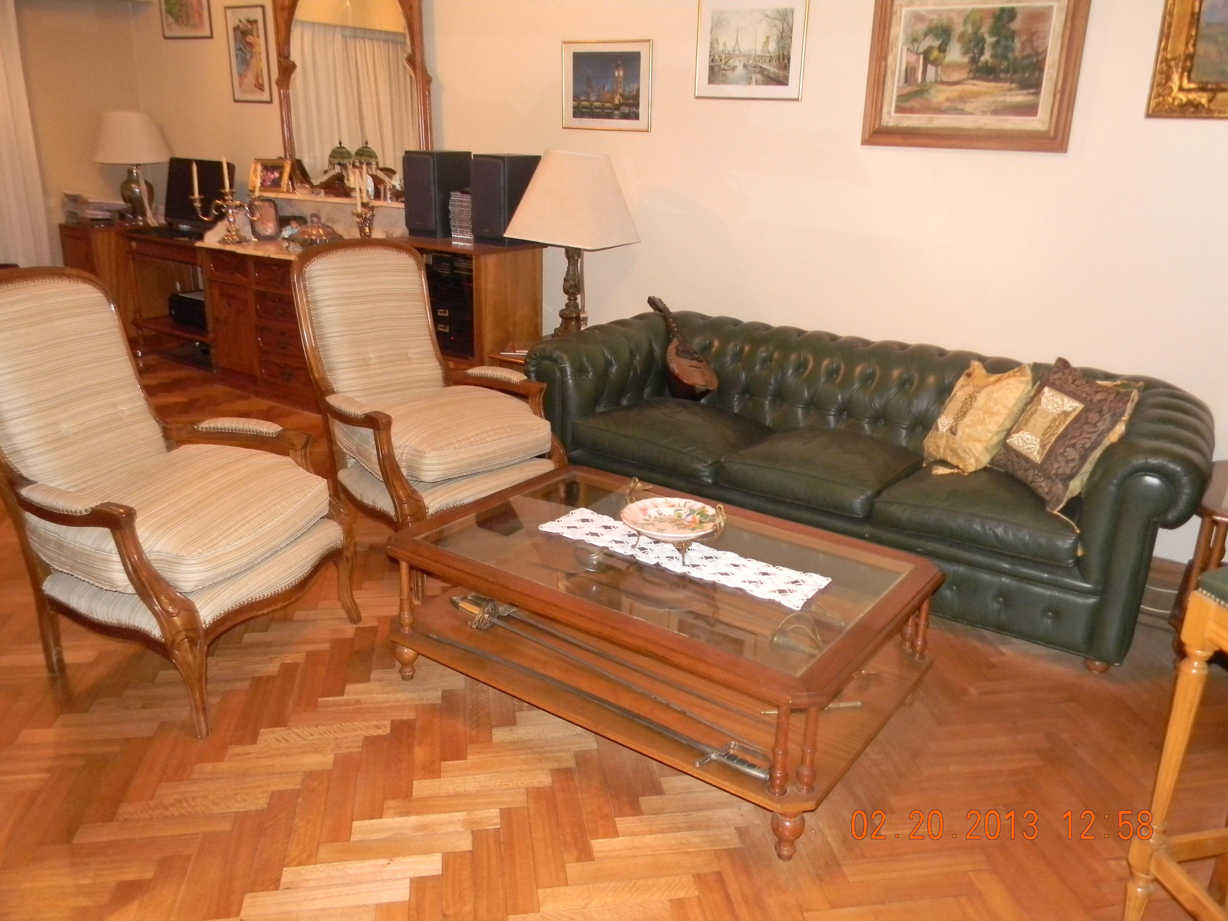 Estar cl sico estilo ingl s sof chesterfield en cuero y for Sofas clasicos estilo ingles