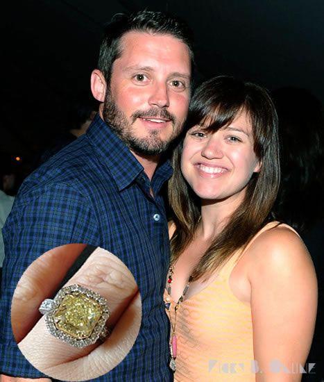 Celebrity Wedding Singers: Kelly Clarkson Got Engaged To Brandon Blackstock In 2012