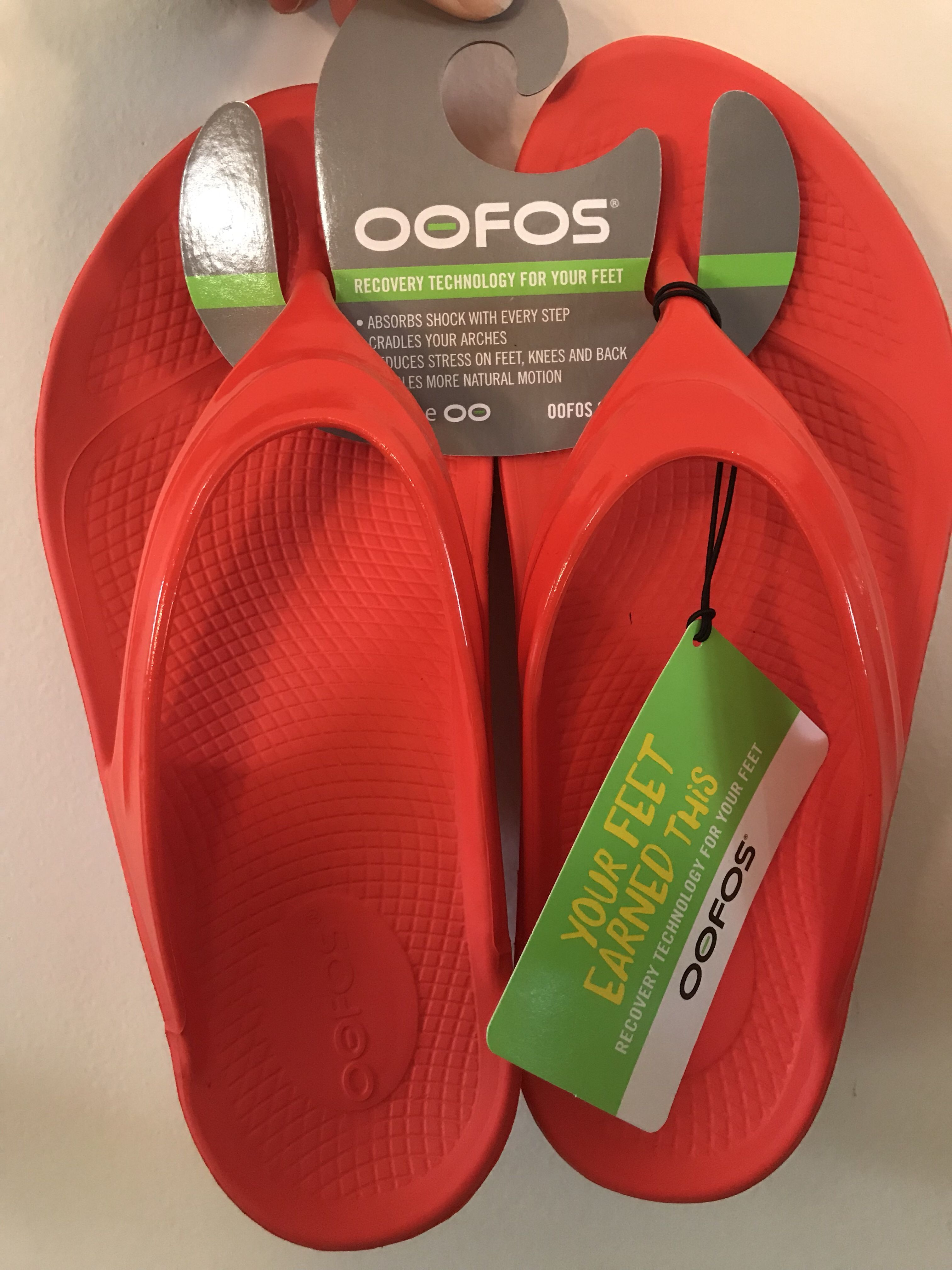 Oofos Recovery Sandals A Bibravepro Review Adventures By Katie Recovery Sandals Plantar Fasciitis Shoes Flip Flop Shoes