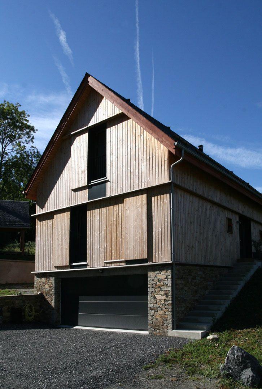 Prax architectes maison bois traditionnelle volets for Maison bois traditionnelle