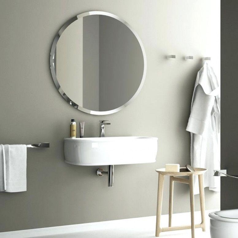 Wissen Sie Wie Viele Menschen Im Badezimmer Spiegel Rund Mit