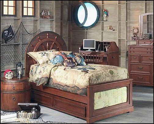 Pirate theme bedrooms decorating ideas and pirate themed for Boys pirate bedroom ideas