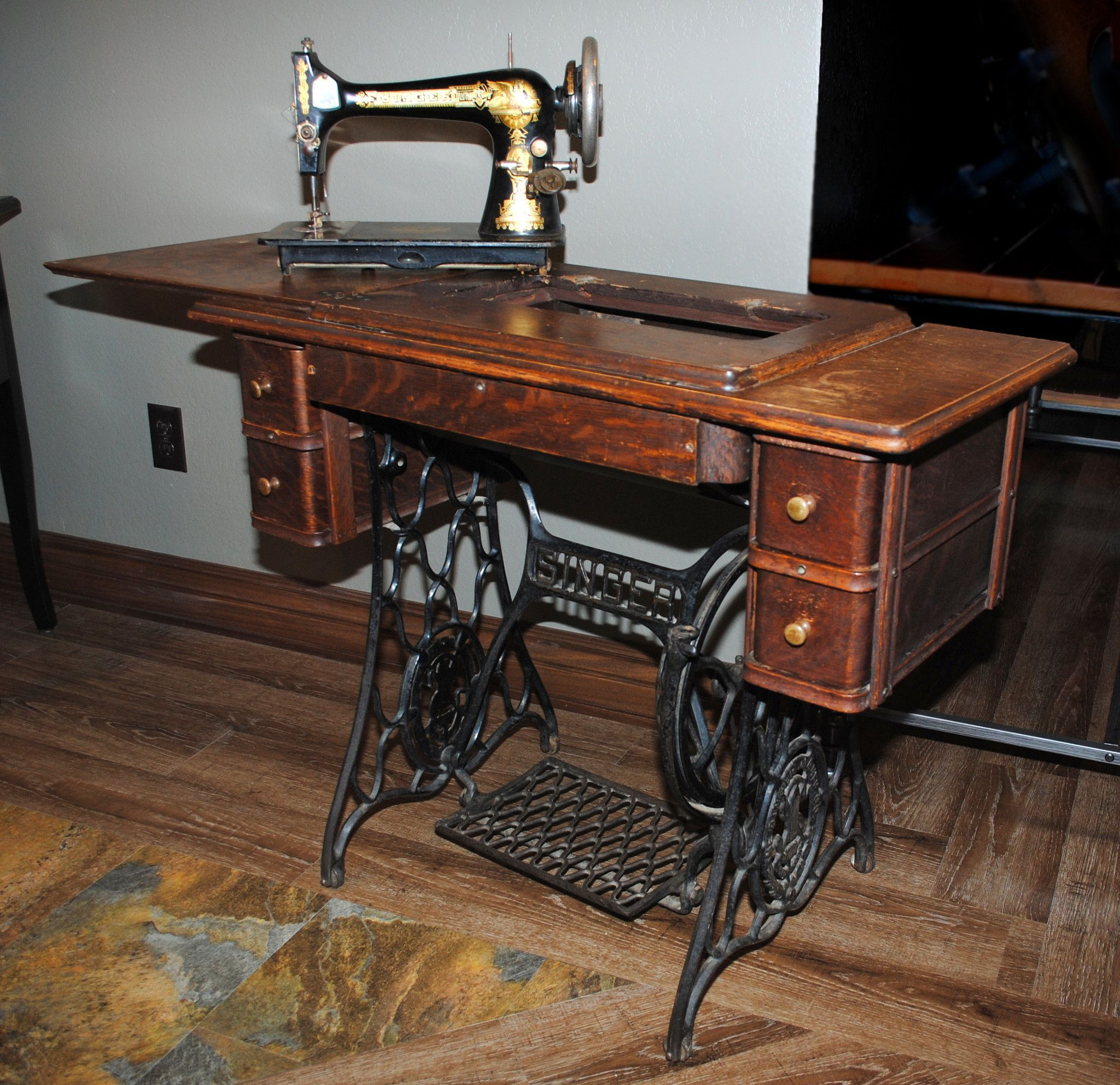 Antique Gold Sphinx Singer Sewing Machine & Cabinet Table Sewing ...