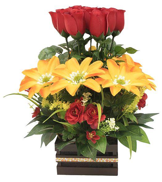 Arreglo De Flores Ideal Para Regalar Centro De Mesa Manualidades En Color Amaril Unique Floral Arrangements Beautiful Flower Arrangements Flower Arrangements