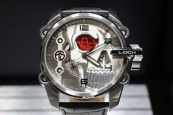 The Ugliest Watches of Baselworld 2015 - http://menswomenswatches.com/the-ugliest-watches-of-baselworld-2015/ COMMENT.