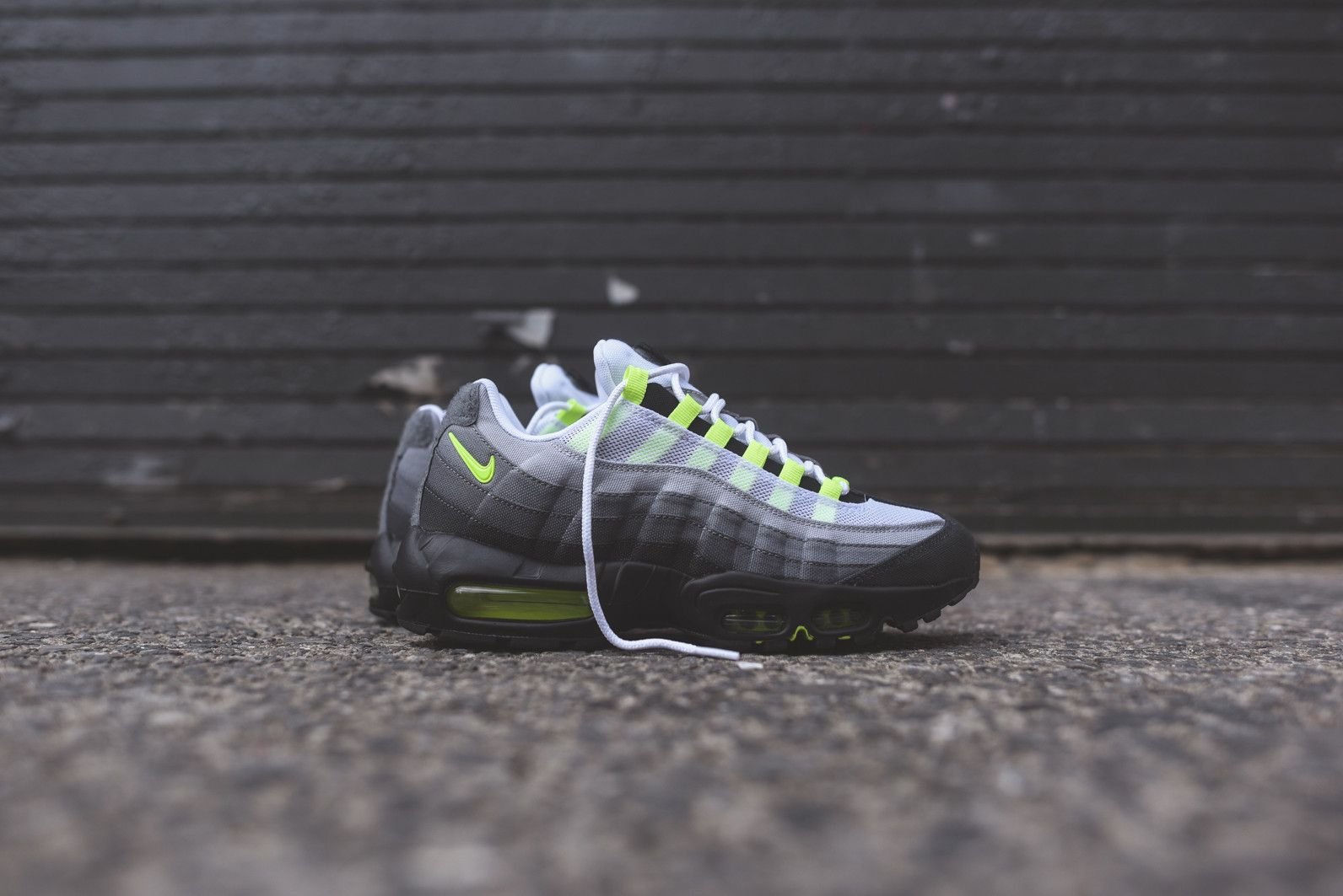 big sale ba8ee 5d9c7 Nike Air Max 95. Learn how to spot fakes with a 17 point step-by-step guide  up on goVerify.it