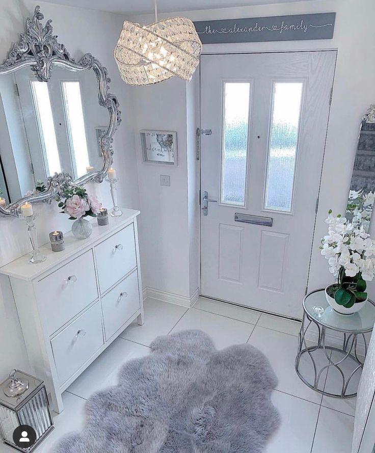 Ich liebe das obige Türschild. Brauche so einen Spiegel im Flur. Graue und weiße Farbe ... - #hallwaydecorations