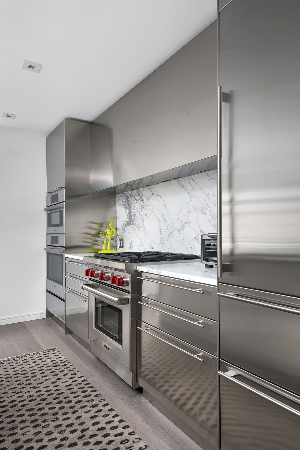 A Modern Townhome Renovation In Chicago S Gold Coast Dresner