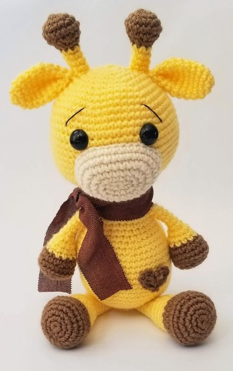Cute Baby Giraffe pattern by Heather Kumpf
