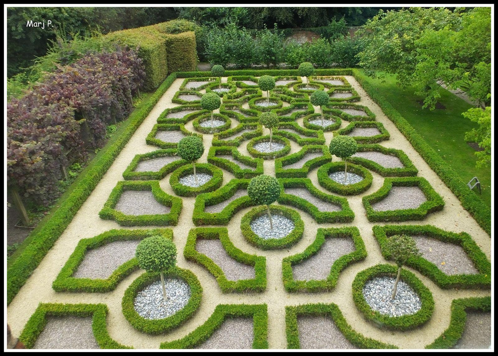 The Knot Garden National Trust Dream Garden Beautiful Gardens Alpine Plants