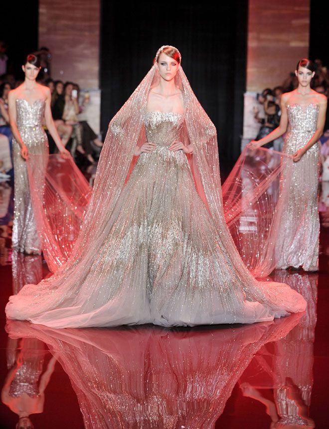 Anticuado Arte Vestido De Novia Ideas Ornamento Elaboración ...