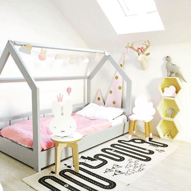 ein wunderschones haus bett kinderzimmer die schonsten hausbetten fur kinder. Black Bedroom Furniture Sets. Home Design Ideas