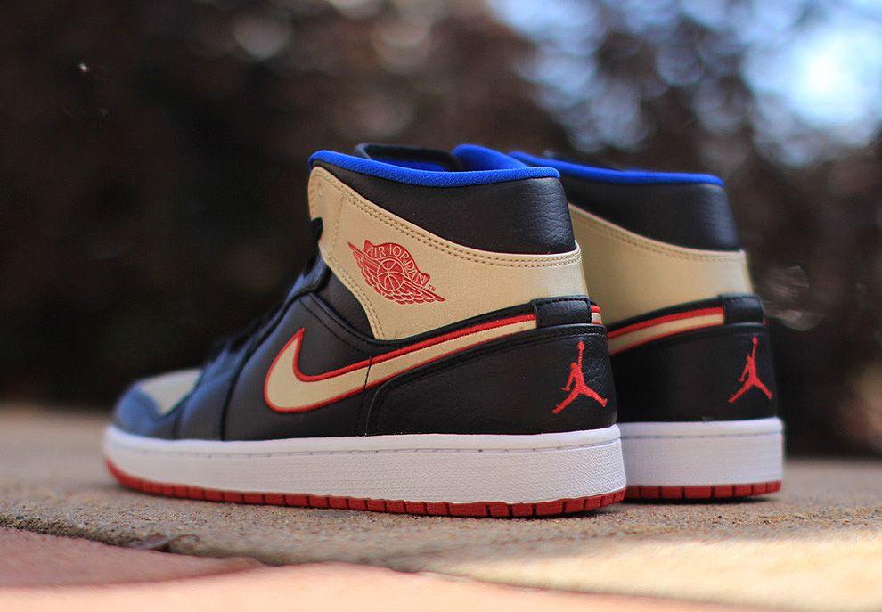 Air Jordan 1 Rivière Rouge Mi Or Noir