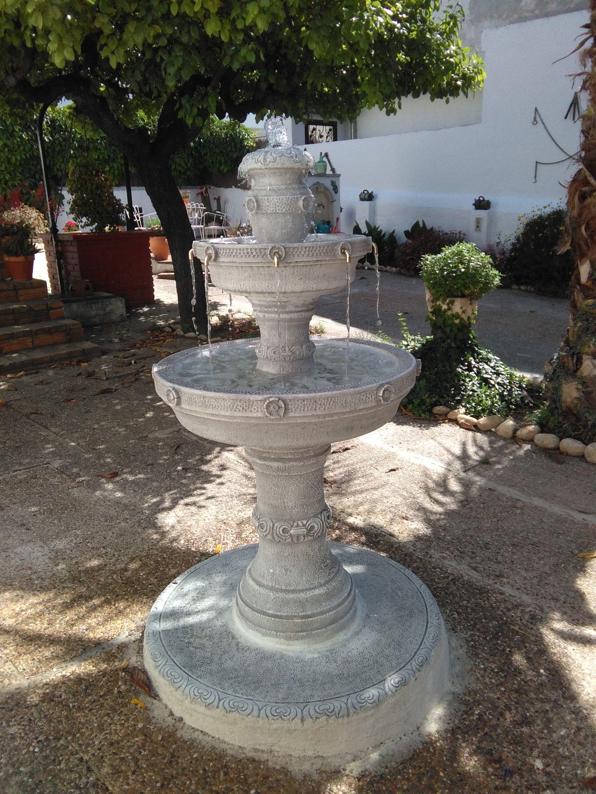 Fuente de jardin fabricada en piedra artificial altamente
