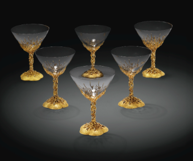 Ensemble de six coupes à champagne en or de deux tons, estampées 750, les coupes en verre, modernes