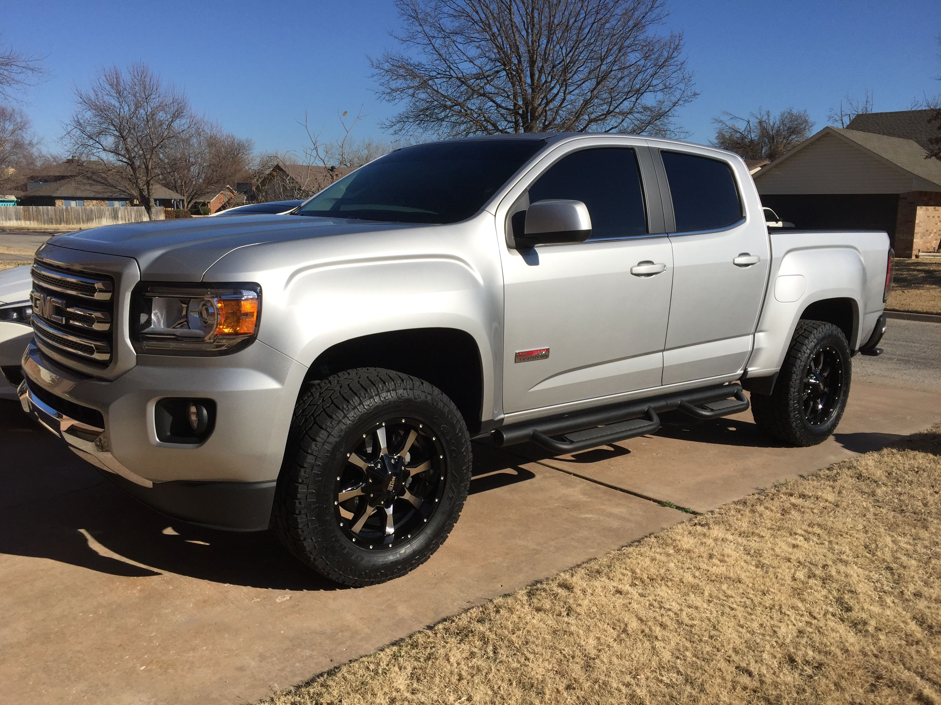 2016 GMC Canyon all terrain 2 inch level with 18 inch Moto ...