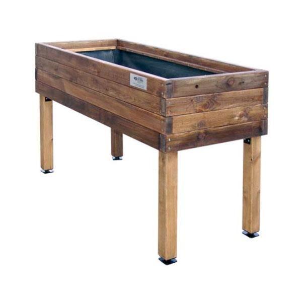 Con esta mesa de cultivo de madera recuperada puedes for Mesas de cultivo urbano