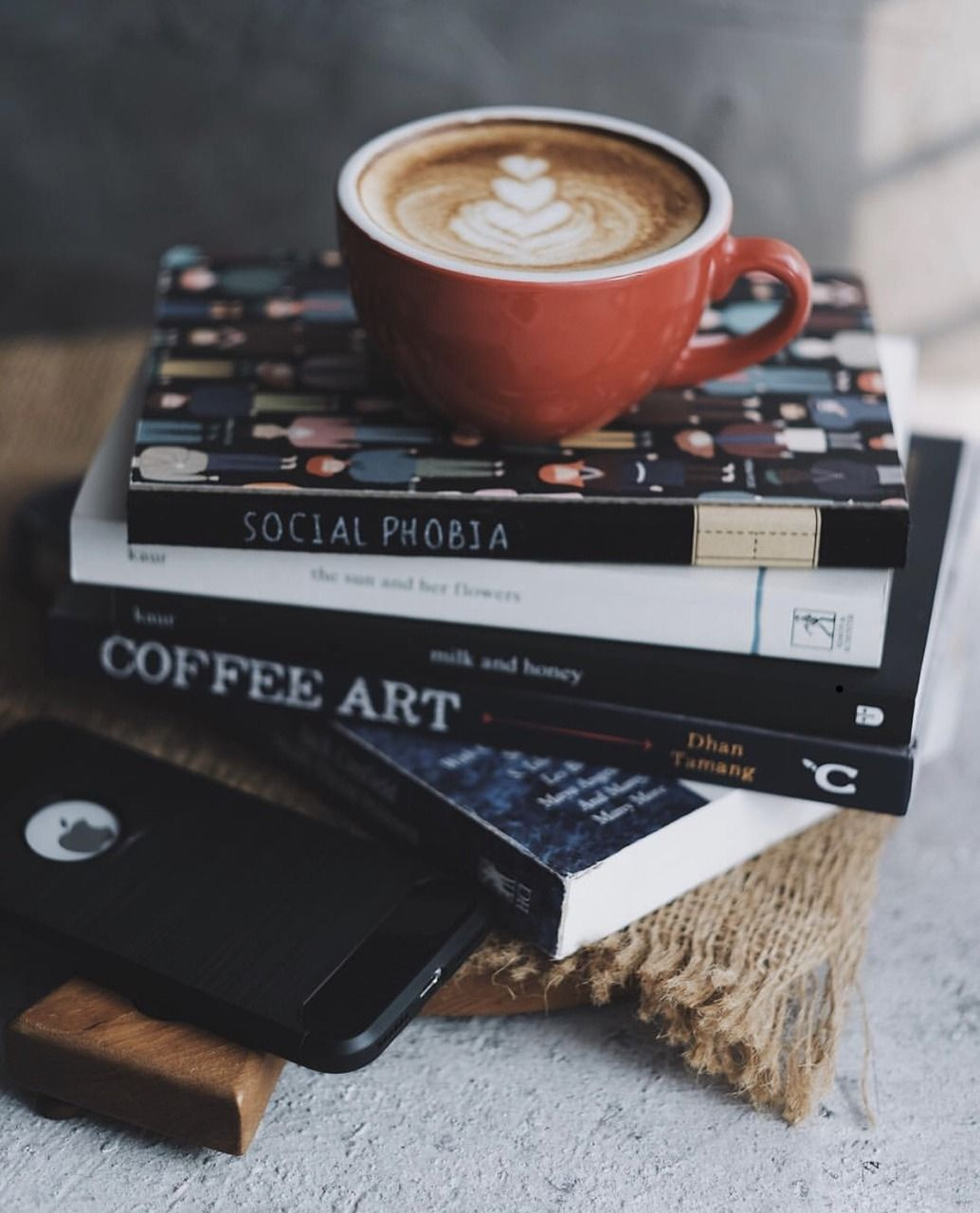 Coffee Art Latte Art Books And Coffee Coffee Art Coffee And Books Coffee Cafe