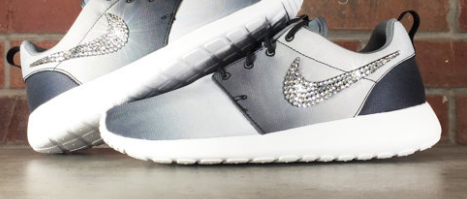 2015 Rhinestones Shoes Glitter Kicks Nike Roshe Runs With Swarovski Crystal Black  White Ombre 3e3443eb0e