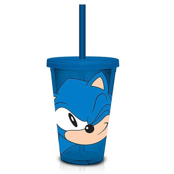 This is a Sonic The Hedgehog Wink 18 oz. Carnival Cup. It's BPA free and holds 18 ounces of liquid. Featuring an awesome graphic of Sonic,…
