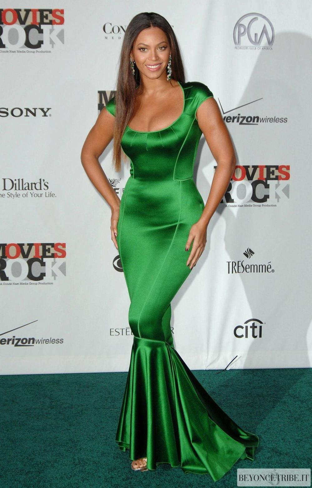 poѕιтιve🤍| 3 DAYS TILL BIK on Twitter | Celebrity dresses, Dresses,  Evening dresses prom
