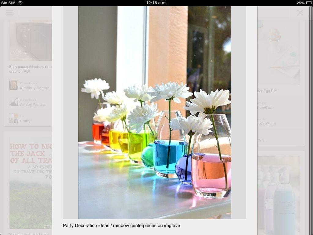 Decoración de floreros de colores