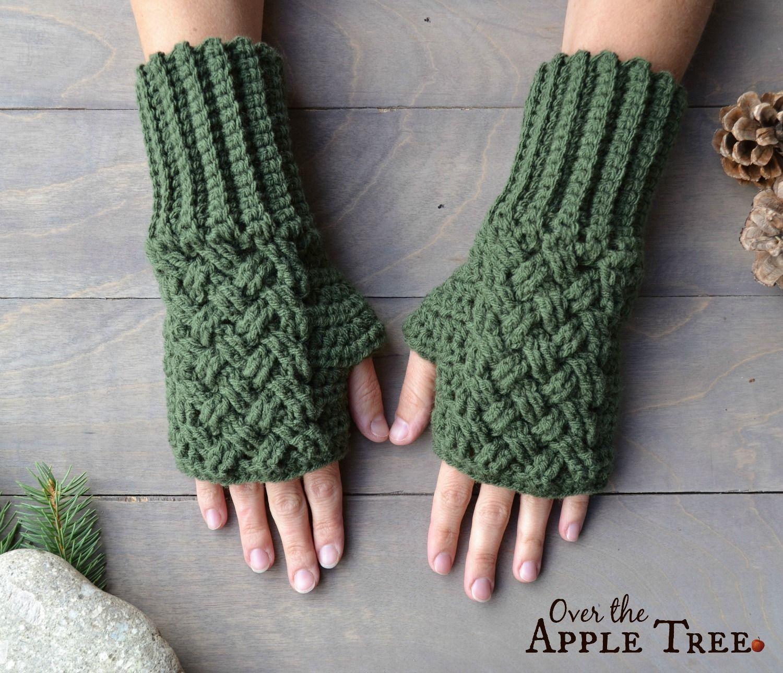 Fingerless gloves darn yarn - Celtic Weave Fingerless Gloves Pattern By Over The Apple Tree