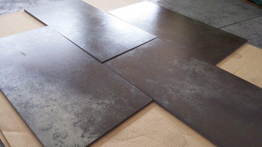Piastrelle stock outlet per pavimento in gres porcellanato effetto