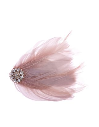 Get the flapper girl look with our vintage-inspired feather hair clip, adorned with a sparkling jewel-embellished flower detail.