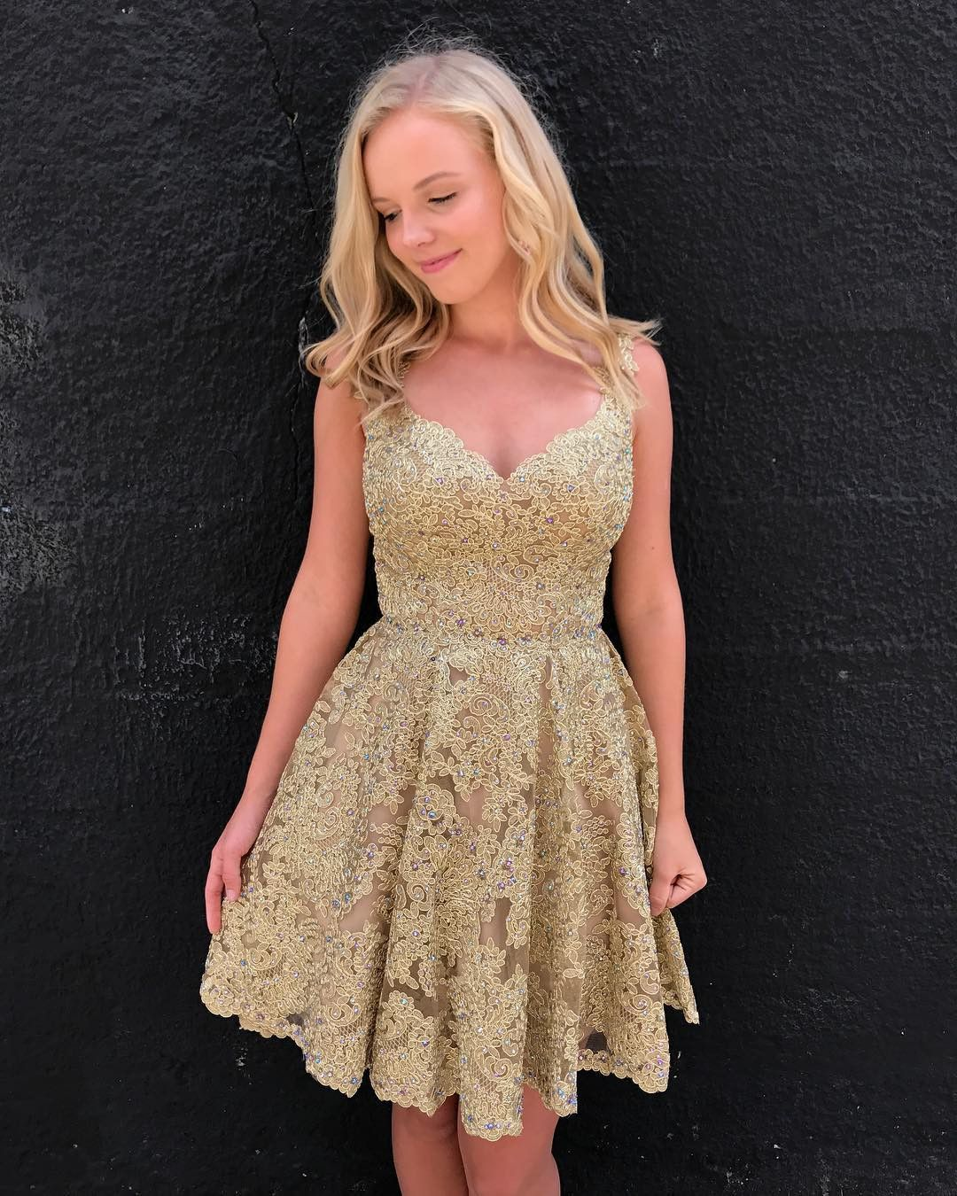 Backless short homecoming dress with beaded gold lace ღ short