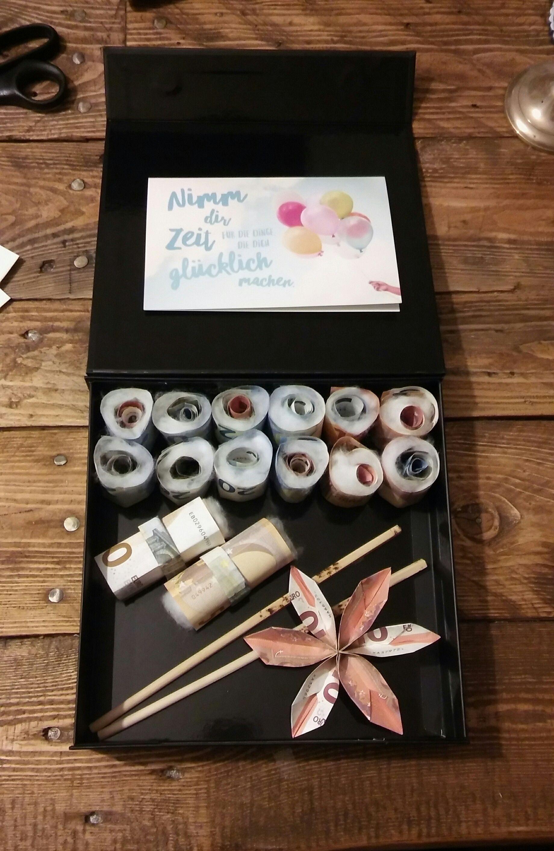 diy sushi in a box sushi in der schachtel sushi geldgeschenk sushi gratuity selfmade. Black Bedroom Furniture Sets. Home Design Ideas